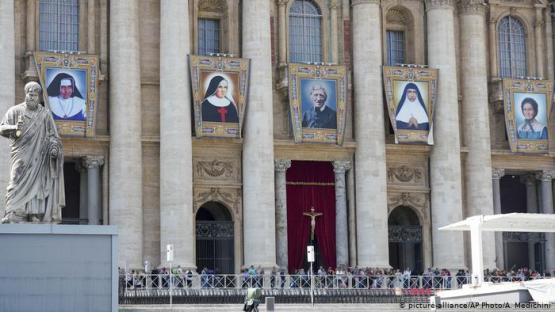 El Papa proclama a la primera santa de Brasil, Irmã Dulce