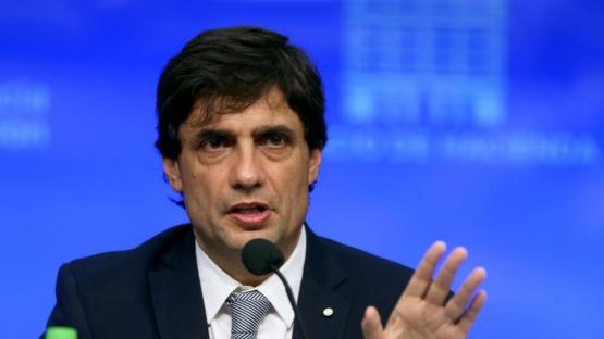 No se ampliará el cepo al dólar, según Lacunza