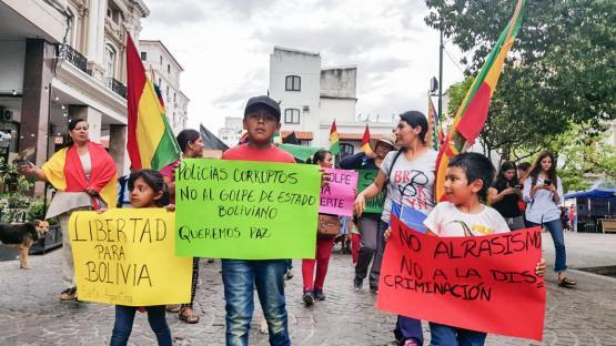 Video: en Salta marcharon por la crisis que se vive en Bolivia