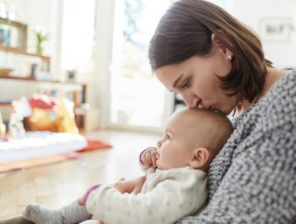 Madre soltera por elección: ¿por qué cada vez más mujeres deciden tener hijos solas?