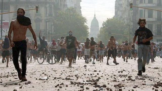 """Salteños recordaron el """"Argentinazo"""" con una marcha en el centro de la  ciudad - LA GACETA Salta"""