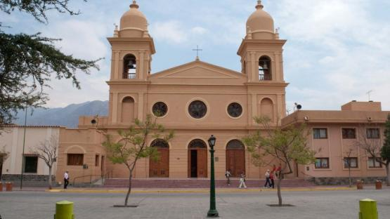 Cafayate: la iglesia tiene una deuda que supera el millón de pesos