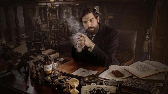 """""""Freud"""": al padre del psicoanálisis lo obligan a cazar fantasmas"""