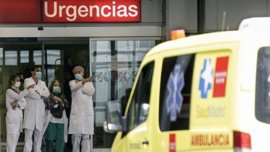 España marcó otro triste récord con más de 950 muertos por covid-19 en un día