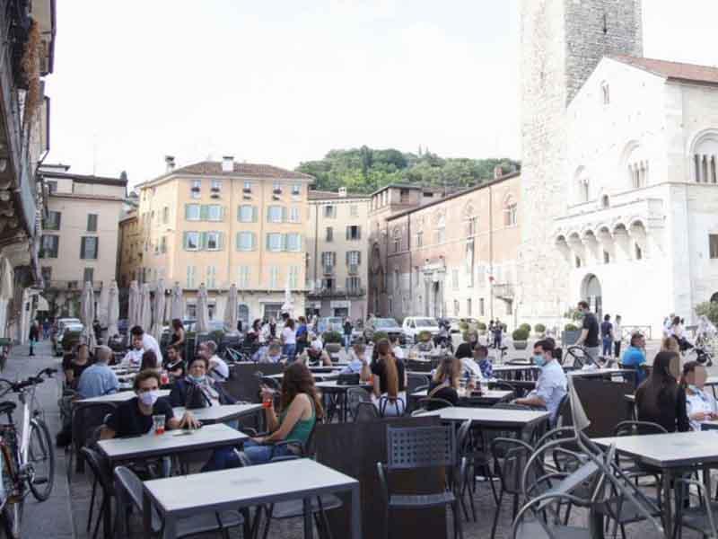 Italia reabrió sus puertas: bares, restaurantes y locales comerciales volvieron a funcionar