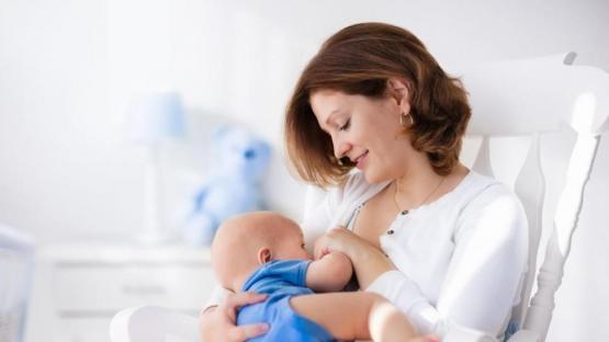 Semana Mundial de la Lactancia: sólo 45% de los bebés toma la teta hasta los dos años