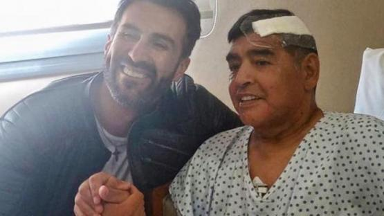 """El médico de Maradona se presentó a declarar en la fiscalía y dijo estar """"muy tranquilo"""